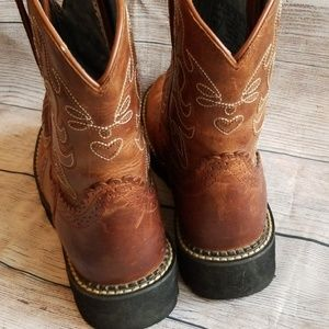 Ariat Shoes - Ariat Fatbaby round toe cowboy boots womens 9